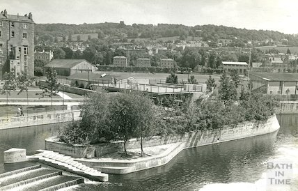 The new Pulteney Weir and sluice gate viewing platform, 10 June 1974