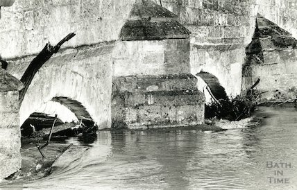High water on the River Avon at Bradford-on Avon, February 1990