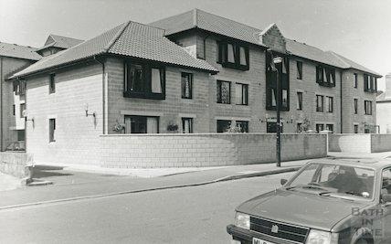 St. John's Road, New Flats, August 1988