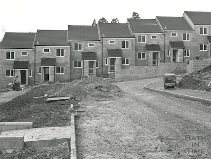 The construction of Valley View Close, Bath, 1977