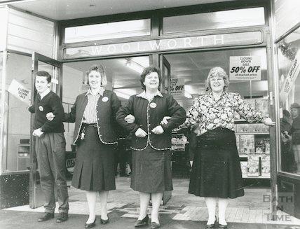 Woolworths Closing Down Sale, Stall Street, Bath, 23rd January 1989
