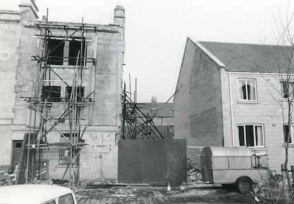 Bedford Street off London Road during development, 15th February 1985