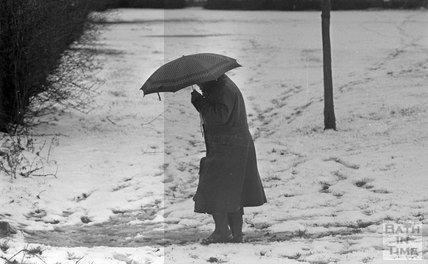 Snowy scenes in Combe Down, Bath, 31 January 1983