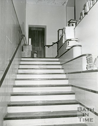 No's 18 & 19, Old Bond Street, Bath staircase, 18th December, 1981