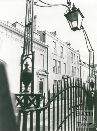 Beauford Square, Bath. Ironwork and early Georgian Houses, 1983