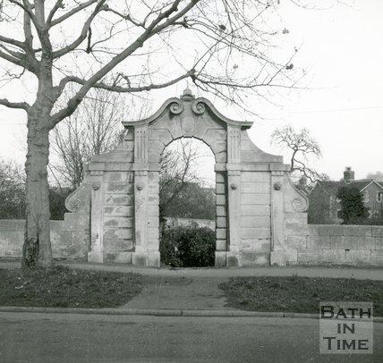 Gateways. Pinch's Folly, Rochford Place, Bathwick Street, Bath 1965.
