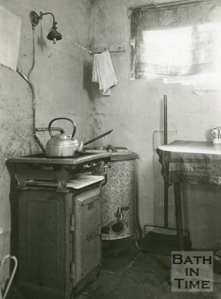 Slum Interiors. No.34, Beechen Cliff Place, Holloway, Bath, c.1950s