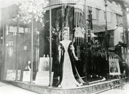 Walker and Ling shop window display, 3, Milsom Street, Bath, c.1937