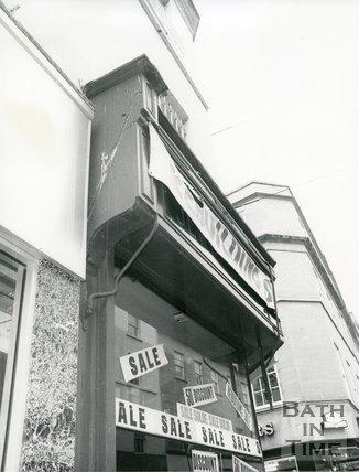 Zales Jewellers, corner of Stall Street and Beau Street, Bath, June, c.1979
