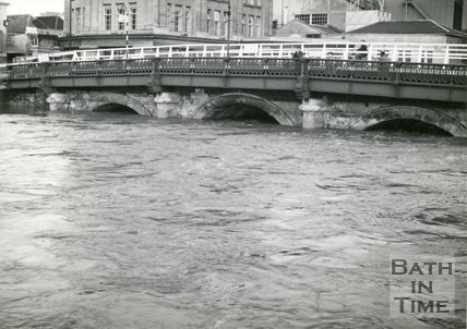 Old Bridge, Bath during a flood, 1963