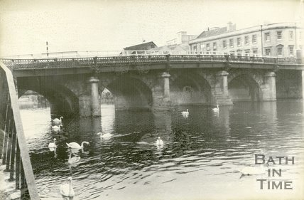Old Bridge, Bath, prior to demolition, 1964