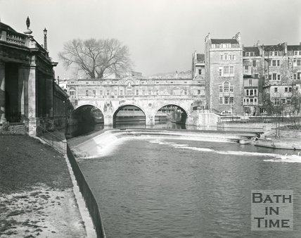 Pulteney Bridge and weir, Bath, 1975/6