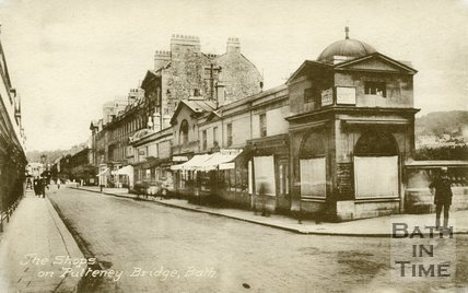 Pulteney Bridge and shops, Bath, c.1930s