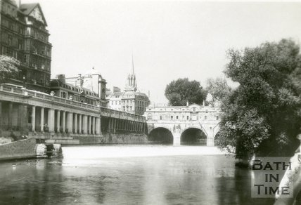 Pulteney Bridge and Weir, Bath, c.1930s