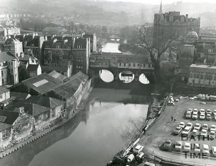 Pulteney Bridge, and view of surrounding area, Bath, 1971