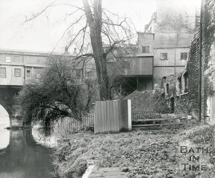 The rear of Pulteney Bridge, Bath, c.1960s