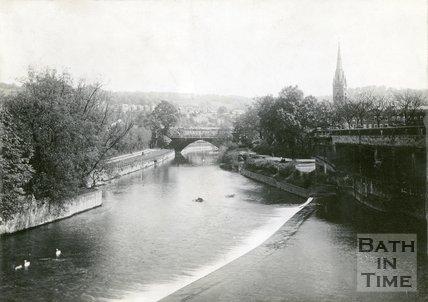 North Parade Bridge, and the River Avon, Bath, c.1920s?