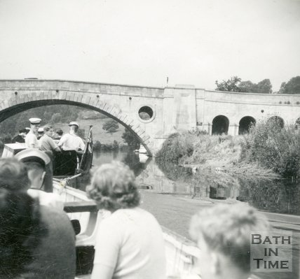 A boat trip about to go under the Newbridge, Bath, c.1960s