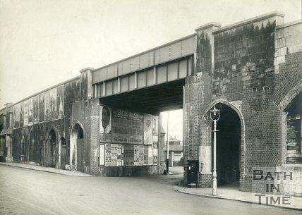 Railway viaduct by Old Bridge, Bath, 1929