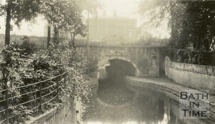 Kennet and Avon Canal and bridge, Sydney Gardens, Bath