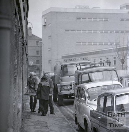 Moving a plate of steel from Bowlers, Corn Street, Bath, March 1970