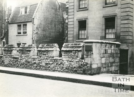 Medieval City Wall, Bath, opposite Royal Mineral Water Hospital, Upper Borough Walls, c.1910