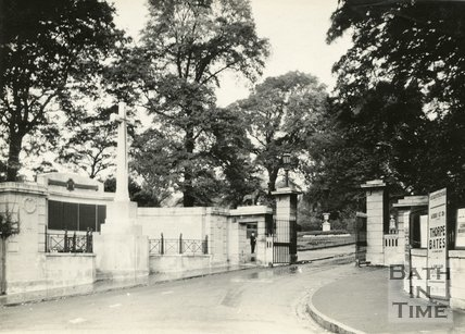 War Memorial, Royal Victoria Park, Bath, 1931