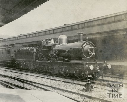 Great Western Railway 'Badminton' Class 4-4-0 No 3298 'Grosvenor' at Bath Spa Station, Bath c.1910