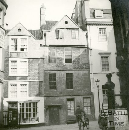 Sally Lunn's House, North Parade Passage (Lilliput Alley), Bath c.1940