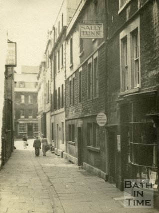 Sally Lunn's House, North Parade Passage (Lilliput Alley), Bath 1940s