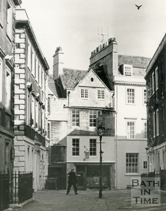 North Parade Buildings (Gallaway's Buildings) and North Parade Passage (Lilliput Alley), Bath c.1963