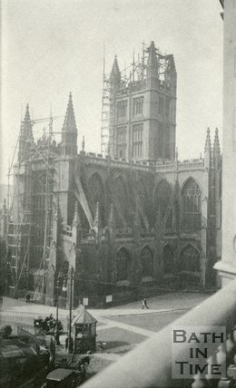 Repairs to Bath Abbey pinnacles, Bath 1905