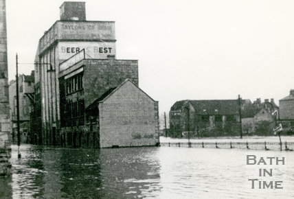 Bath Floods, Lower Bristol Road and Broad Quay, 1947