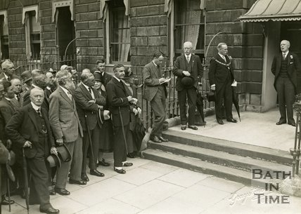 Unveiling memorial tablet to William Smith outside No.29 Great Pulteney Street, Bath, 10 July 1926
