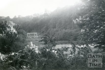 View of the Palladian Bridge from Froggy Lane, Widcombe, Bath, September 1959