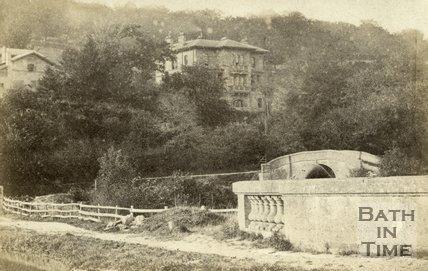 Dundas Aqueduct, Kennet and Avon Canal and stone bridge c.1870