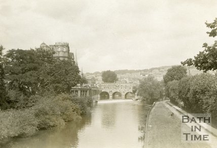 Pulteney Bridge and Parade Gardens, Bath 1932