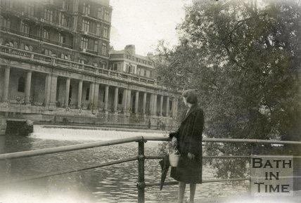 The weir and Grand Parade, Bath 1948