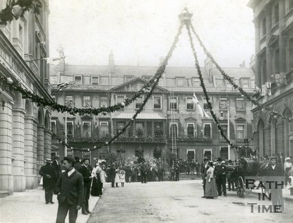 Milsom Street, decorated for the Coronation of Edward VII, 1902, Bath