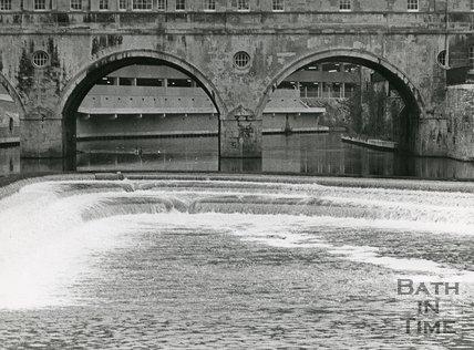 Pulteney weir and bridge, Bath, March 5 1973