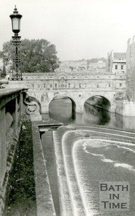 Pulteney weir and bridge, Bath, c.1975