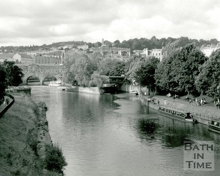 View of Pulteney Bridge and the River Avon from North Parade Bridge, Bath, c.1990