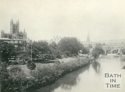 View of Parade Gardens and Pulteney Bridge from North Parade Bridge, c.1900