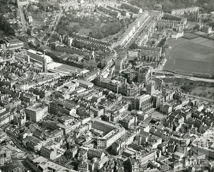 1975 Aerial view of Bath showing the city centre and Great Pulteney Street