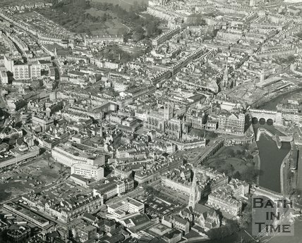 1972 Aerial view of Bath looking towards the Circus, 1 March