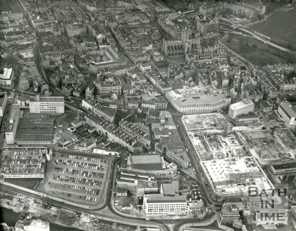 1973 Aerial view of Bath city centre and Southgate development, 17 March
