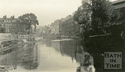 View from the River Avon looking at Green Park East, Bath, c.1915