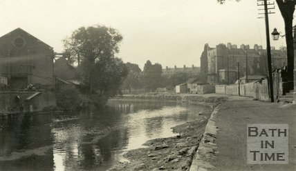 View up the River Avon looking at the rear of Green Park East, c.1915