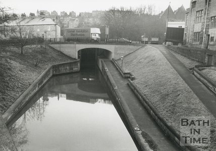 The new Canal bridge and lock at Rossiter Road, Bath, c.1993