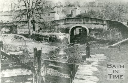 The abandoned Kennet & Avon canal, Widcombe, April 1972